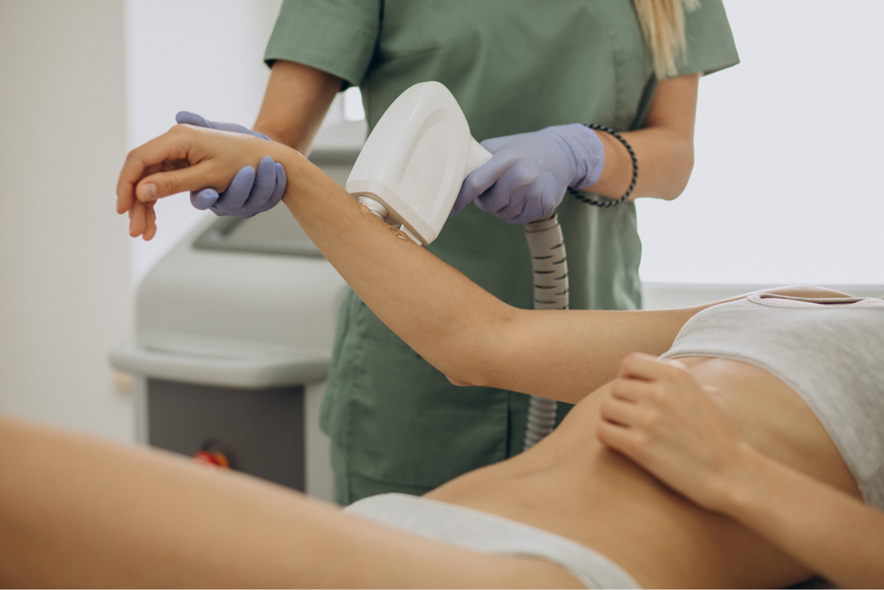 Patient receiving cold LASER therapy